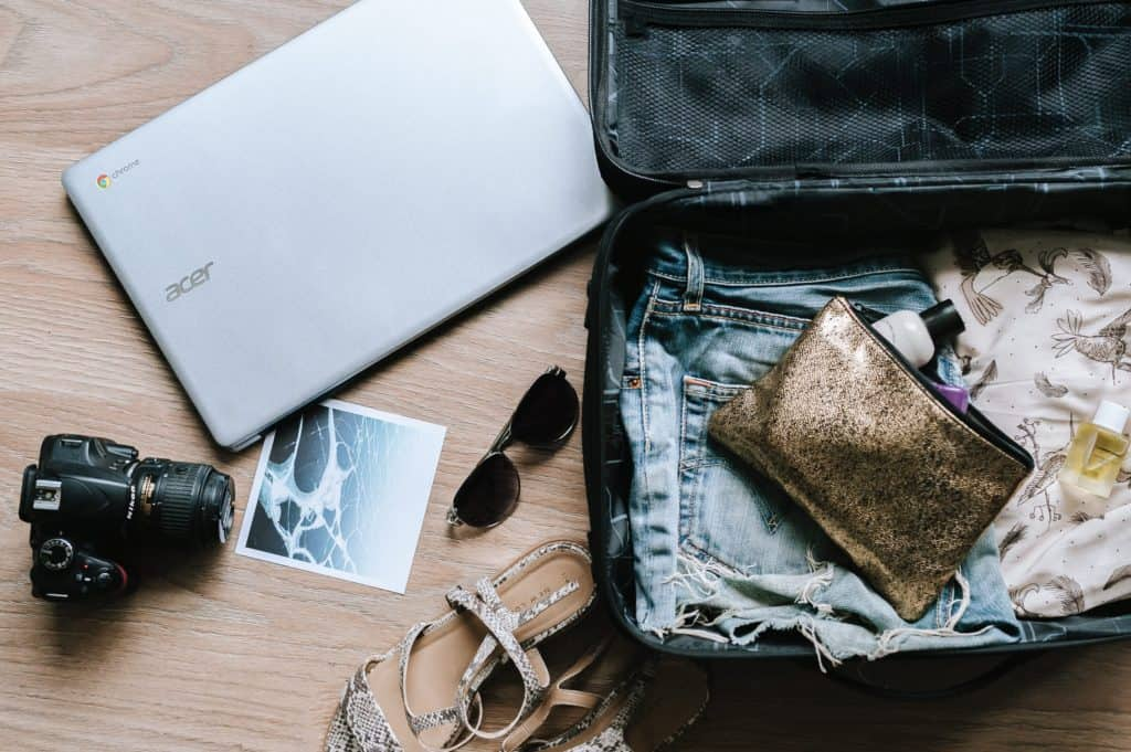 tips for how to pack light for 2 weeks